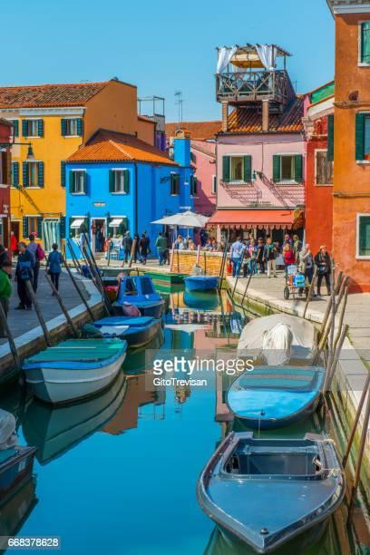 Isola di Burano,caratteristiche case multicolore,1
