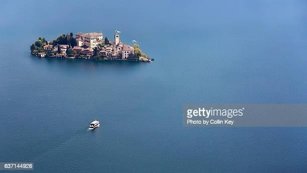 isola san giulio in lago d'orta - collin key stock-fotos und bilder