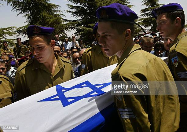 israel buries her fallen soldiers - pallbearer stock pictures, royalty-free photos & images