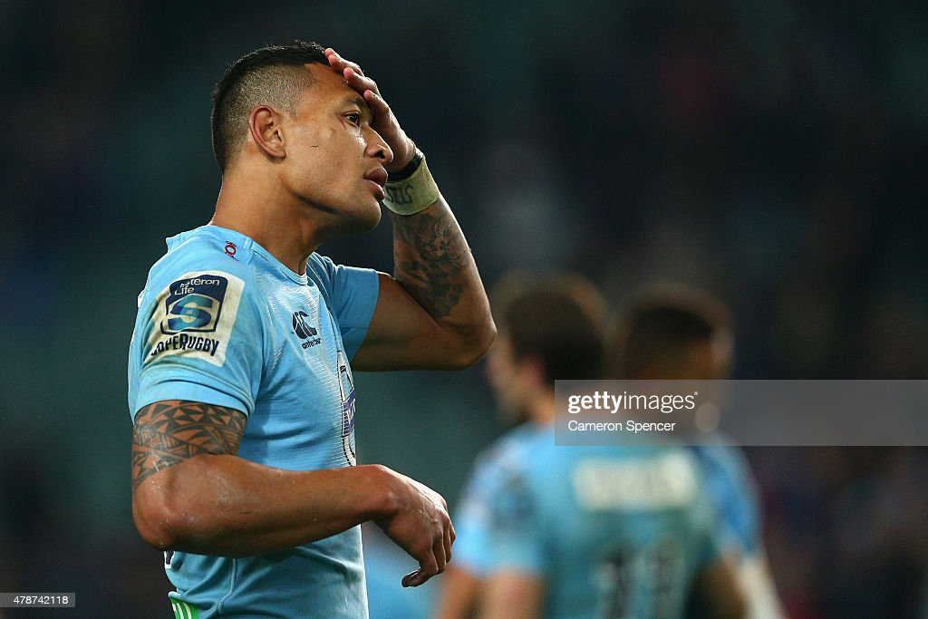 Israel Folau of the Waratahs looks dejected after losing the Super Rugby Semi Final match between the Waratahs and the Highlanders at Allianz Stadium on June 27, 2015 in Sydney, Australia.