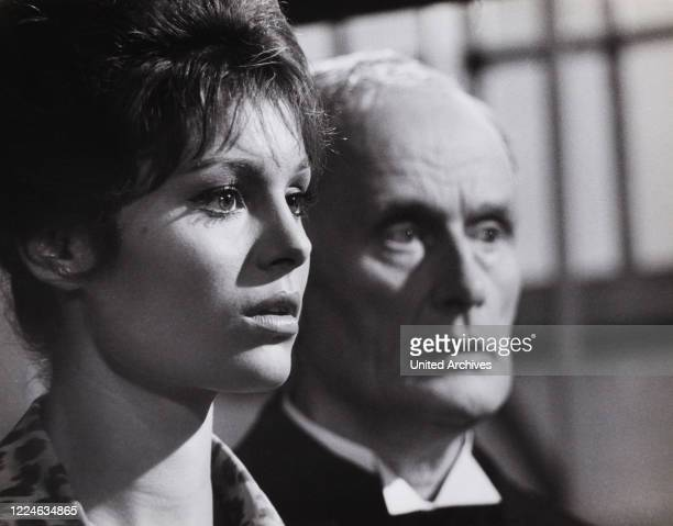 Israeli actress and singer Daliah Lavi and Rudolf Fernau in the movie The Return of Doctor Mabuse Germany 1961