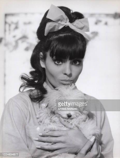 Israeli actress and singer Daliah Lavi in the movie Das schwarz weiss rote Himmelbett Germany 1962