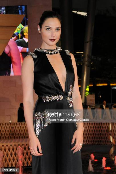 Israeli actress Gal Gadot poses during the red carpet of 'Wonder Woman' at Parque Premier Toreo on May 27 2017 in Mexico City Mexico