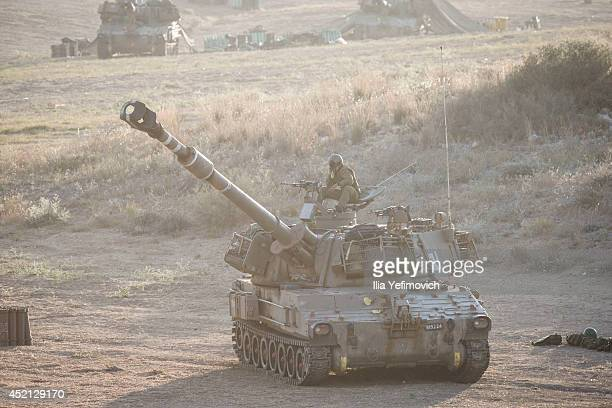 Israeli artillery corps can be seen on July 14 2014 at the IsraeliGaza border Israel's operation 'Protective Edge' has entered a seventh day as the...