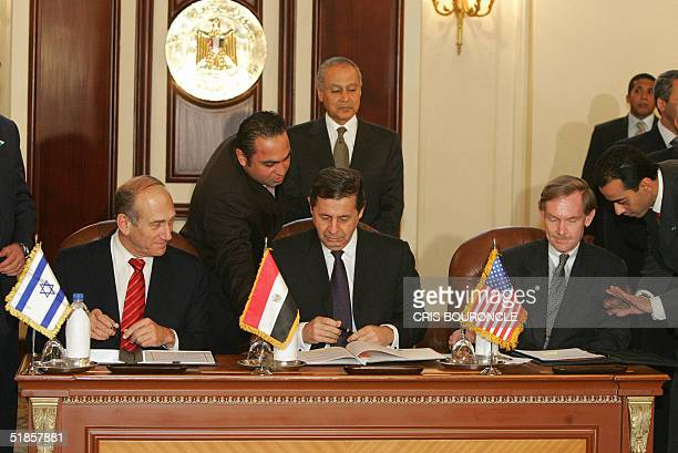 Israeli deputy Prime Minister Ehud Olmert Egyptian Industry and Foreign Trade Minister Mohammed Rashid and US Trade Representative Robert Zoellick...