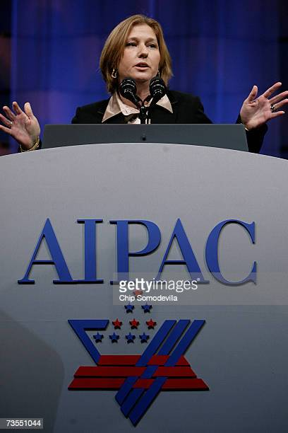 Israeli Foreign Minister Tzipi Livni addresses the American Israel Public Affairs Committee's 2007 Policy Conference at the Washington Convention...