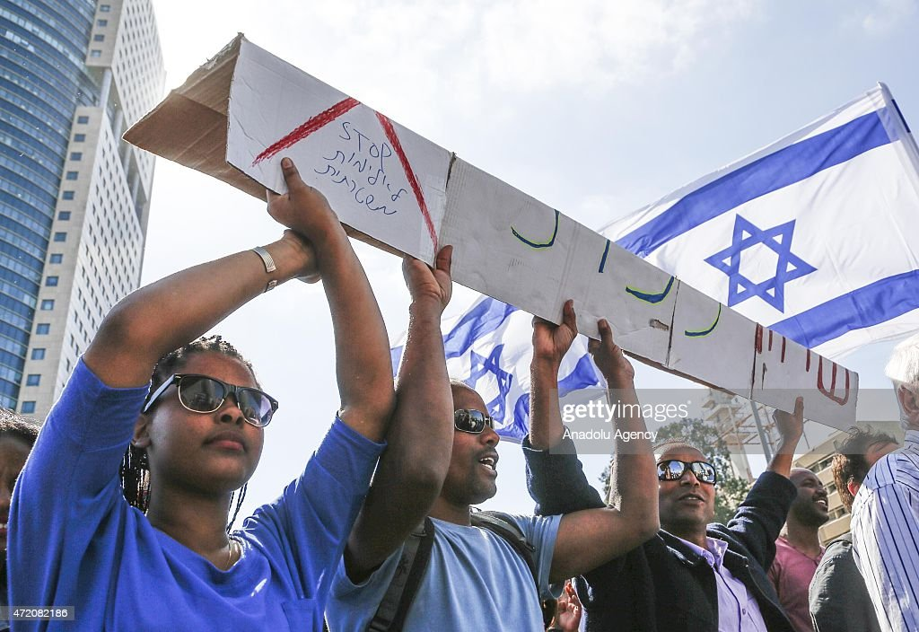 Protest against racism and police brutality in Tel Aviv : Nieuwsfoto's