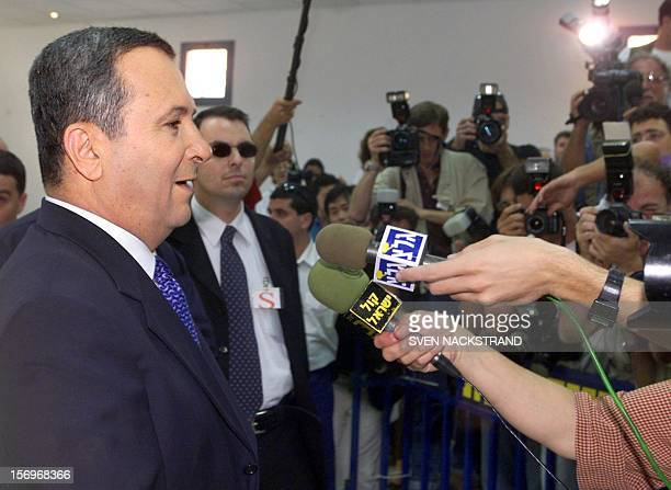 Israeli Labor party leader Ehud Barak talks to reporters after casting his vote in Kokhav Yair 17 May 1999 during Israel's general elections Israelis...
