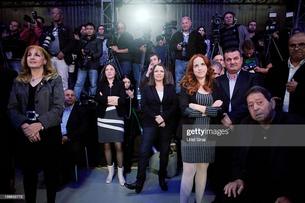Israeli Labor party leader Shelly Yachimovich (C) stands with her party members during a campaign rally ahead of the upcoming Israeli elections on January 17, 2013 in Tel Aviv, Israel. Israeli elections are scheduled for January 22, and are reportedly showing a majority for the Israeli right.