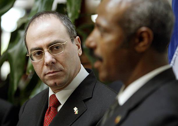 الطموح الإثيوبي: التنمية جنبًا إلى جنب مع القمع السياسي Israeli-minister-of-foreign-affairs-sylvain-shalom-listens-08-january-picture-id2851533?k=6&m=2851533&s=612x612&w=0&h=dMVbFXDjKmxPgDUEQVfdXp4hQCRQiWyNyt6-5U6akuY=