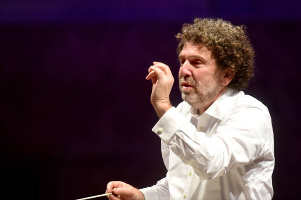ITA: Israeli Musician Asher Fisch Conducts The TCBO Orchestra In Streaming Concert