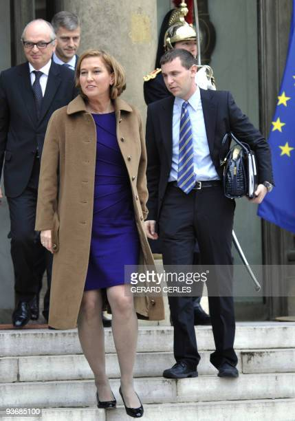 Israeli opposition party Kadima leader Tzipi Livni leaves the Elysee palace after a meeting with France's President on December 3, 2009 in Paris. AFP...