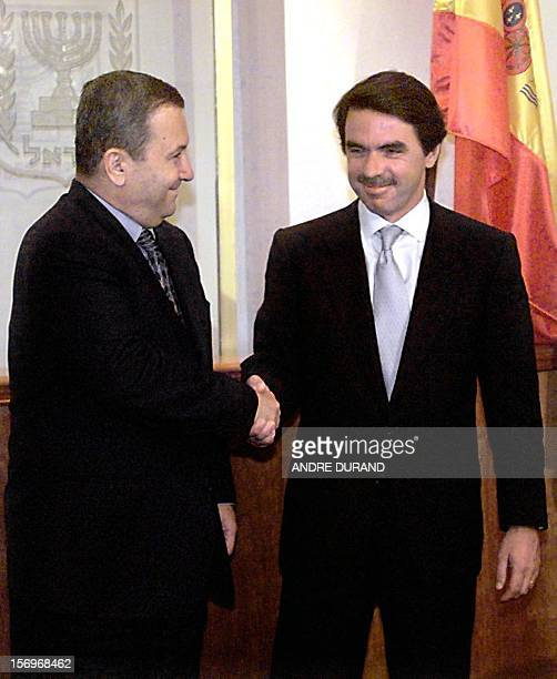 Israeli Premier Ehud Barak welcomes his Spanish counterpart Jose Maria Aznar in Jerusalem 22 July 1999 Aznar has told Israeli leaders that Syrian...