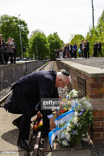 Israeli President Reuven Rivlin lays a commemorative wreath at the ceremony at the Gleis 17 memorial on May 11 2015 in Berlin Germany Rivlin and his...
