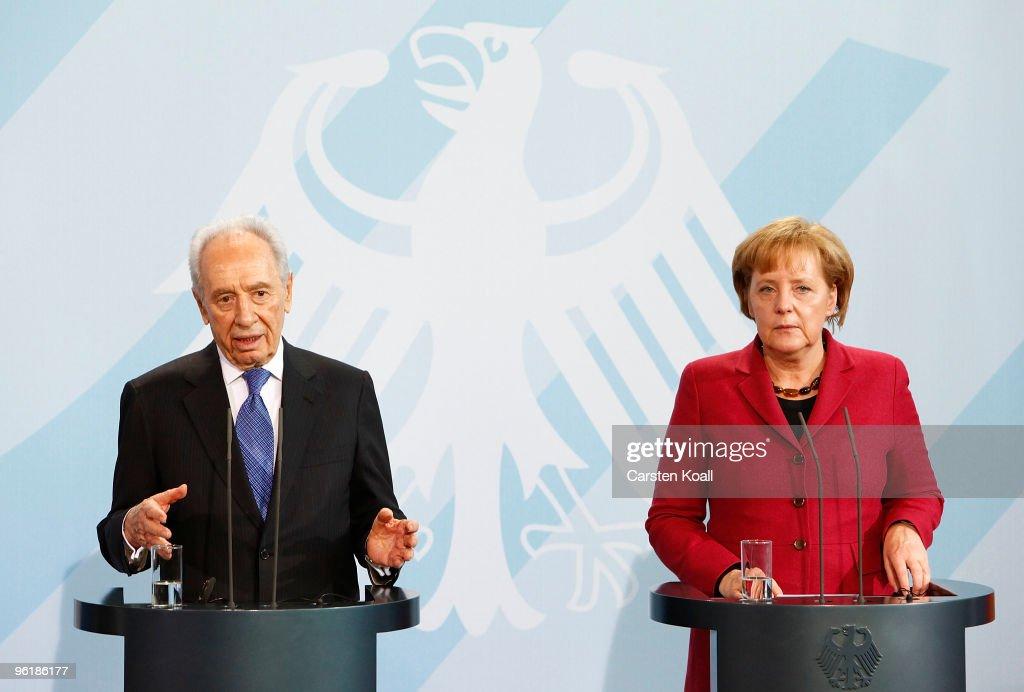 Israeli President Shimon Peres Visits Berlin : News Photo
