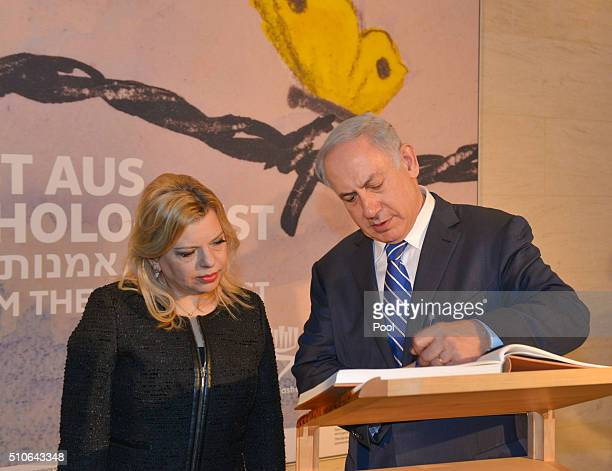 Israeli Prime Minister Benjamin Netanyahu and his wife Sara Netanyahu visit the exhibition Art from the Holocaust 100 Works from the Yad Vashem...