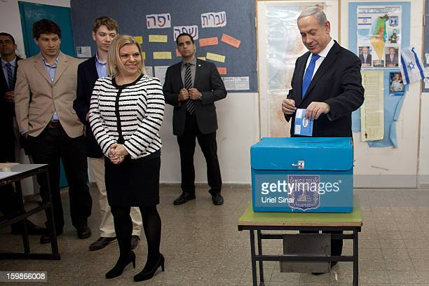 Israeli Prime Minister Benjamin Netanyahu his wife Sara Netanyahu and sons Yair Netanyahu and Avner Netanyahu pose for a photograph after casting...