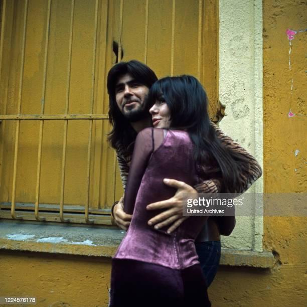 Israeli singer Abi Ofarim and singer Susan Aviles, Germany, 1960s.