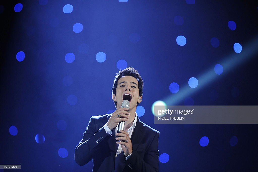Israeli singer Harel Skaat performs on stage during a dress rehearsal at the Telenor Arena in Olso, Norway on May 28, 2010. Harel Skaat is representing Israel in the 55th Eurovision Song Contest final will take place on May 29.