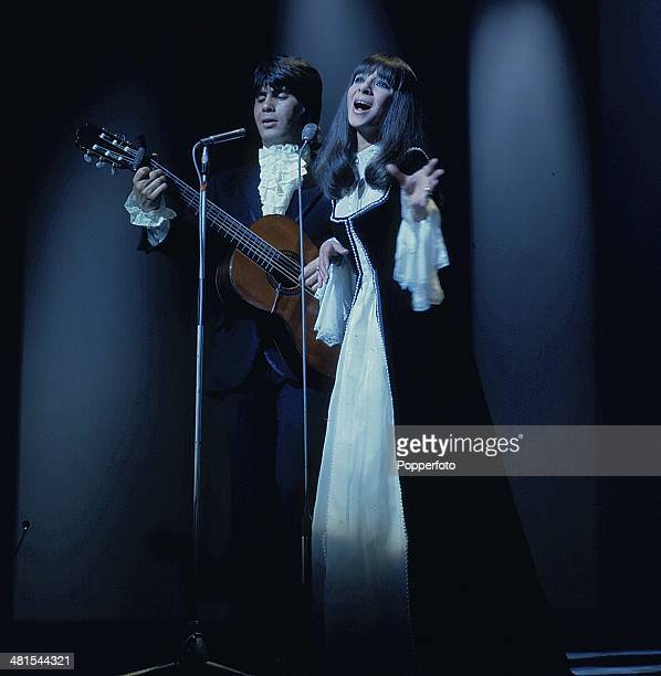 1968 Israeli singers Esther and Abi Ofarim perform on a television show in 1968