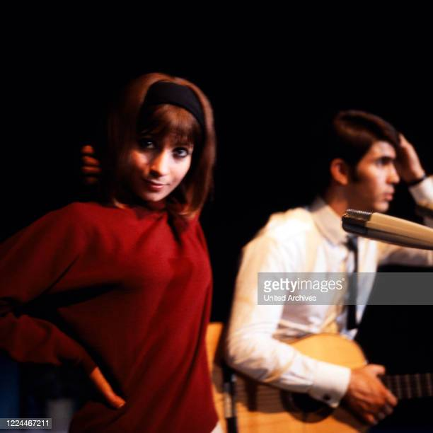 Israeli singing duo Esther and Abi Ofarim Germany 1967