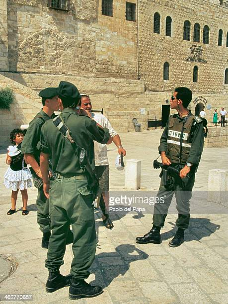 Israeli soldiers check point control access to the Wailing Wall