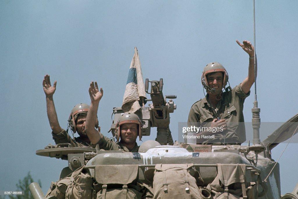 Jubilant Israeli Troops : News Photo