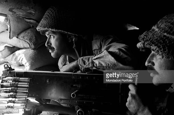 Israeli soldiers firing a machine gun in the Six Day War June 1967
