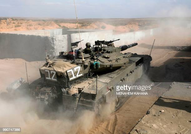 60 Top Israeli Tank Pictures, Photos and Images - Getty Images