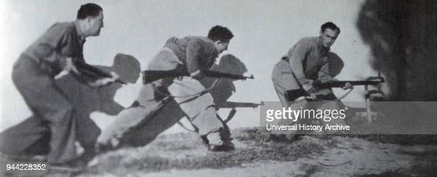 Israeli soldiers go into battle during the War of Independence 1948