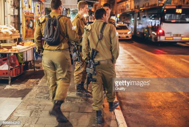 israeli soldiers in jerusalem - israeli military stock pictures, royalty-free photos & images