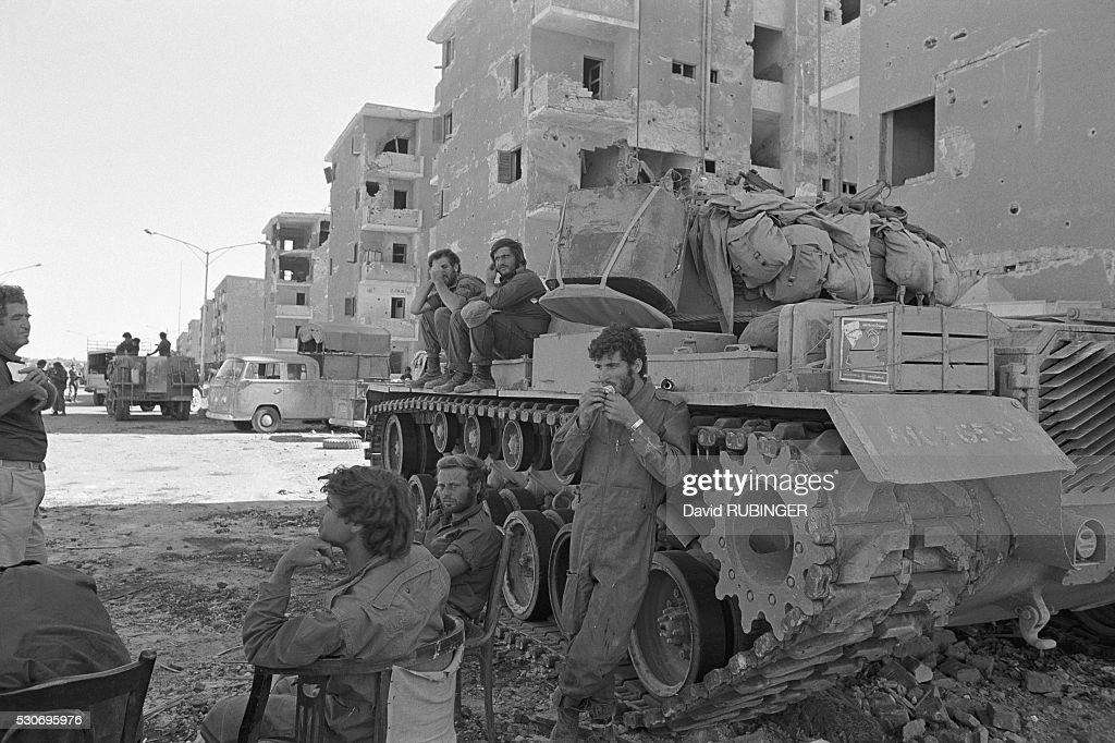 Israeli Soldiers in Suez : News Photo