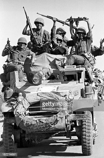 Israeli soldiers smiling for having won the Six Day War June 1967