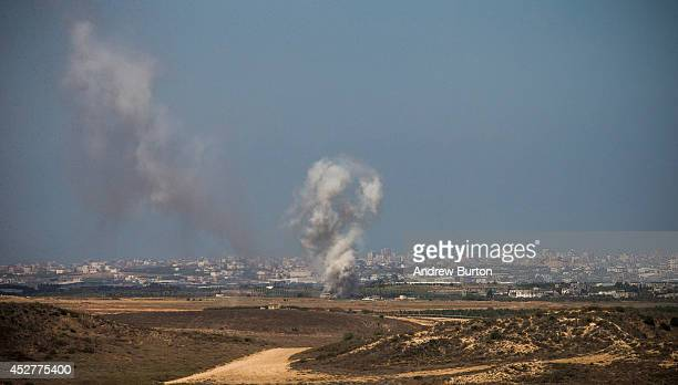 Israeli strikes in Gaza are seen after a ceasefire failed on July 27 2014 near Sderot Israel 42 Israeli soldiers and over 1000 Palestinians have been...