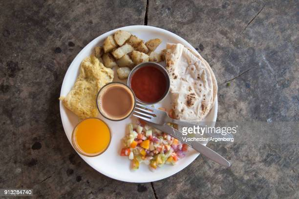 israeli style breakfast, neil island, india - argenberg stock pictures, royalty-free photos & images
