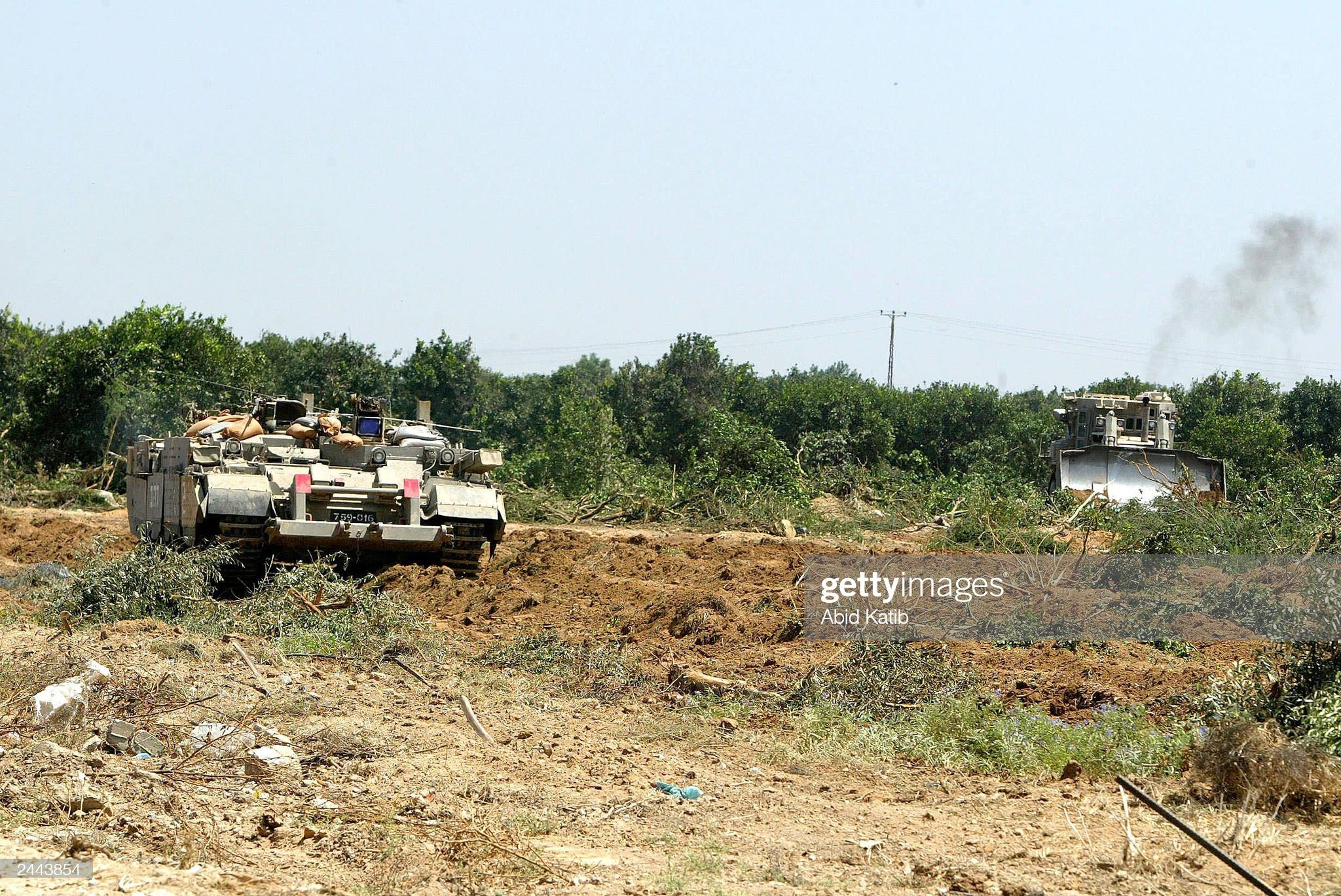 https://media.gettyimages.com/photos/israeli-tanks-and-bulldozers-destroy-palestinian-orange-groves-august-picture-id2443854?s=2048x2048