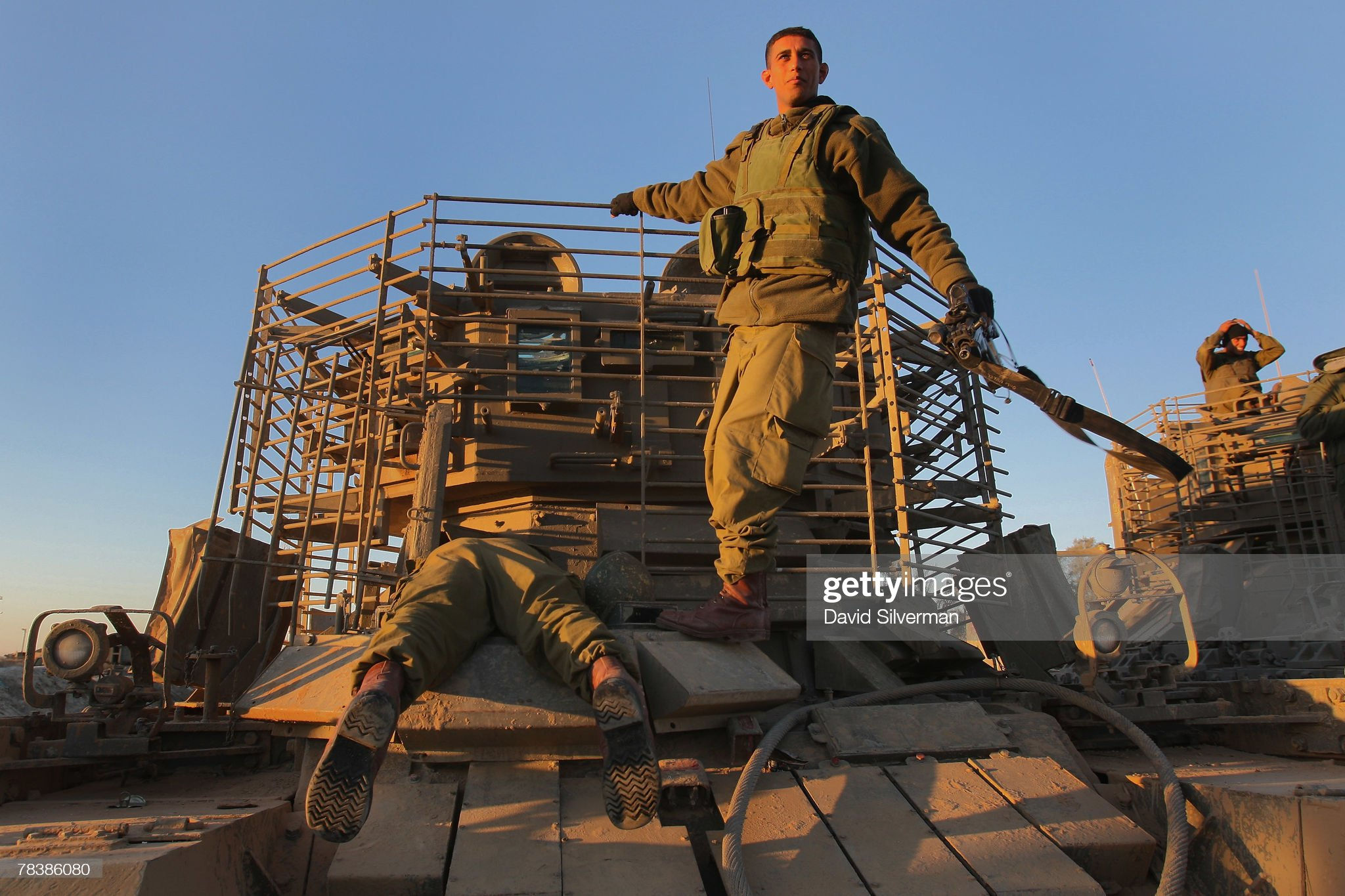 https://media.gettyimages.com/photos/israeli-troops-dismount-their-armoured-fighting-vehicles-on-returning-picture-id78386080?s=2048x2048