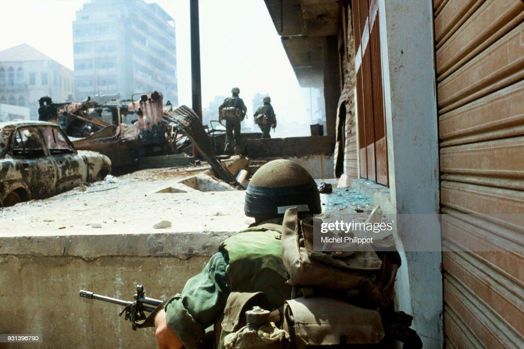 Israeli Troops in West Beirut : News Photo