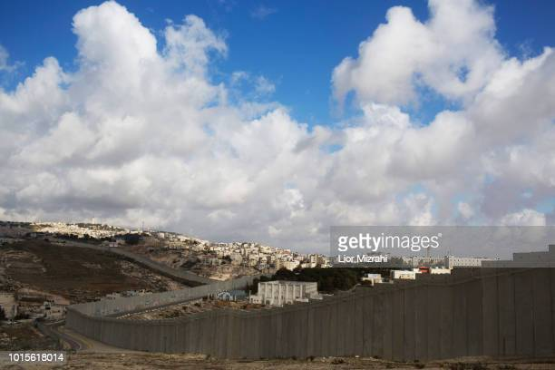 israeli west bank barrier - west bank stock pictures, royalty-free photos & images