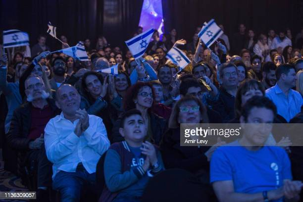 Israelis react after Beresheet spacecraft fails to land safely on the moon on April 11 2019 in Tel Aviv Israel The Israeli spacecraft called...