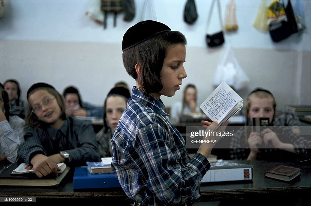 Israel-Mea Shirim, Jerusalem, young boy (8-9) studying in Orthodox school : News Photo