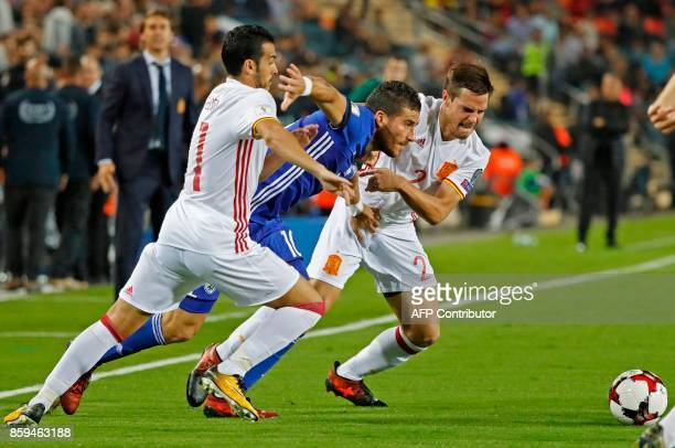Israel's forward Tomer Hemed vies for the ball with Spain's defender Cesar Azpilicueta during the Russia 2018 FIFA World Cup European Group G...