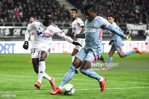 Issa Cissokho of Amiens and Balde Keita of Monaco during the Ligue 1 match between Amiens SC and AS Monaco at Stade de la Licorne on November 17 2017...