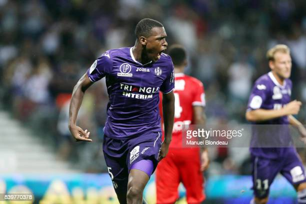 Issa Diop of Toulouse celebrates after scoring a goal during the Ligue 1 match between Toulouse and Stade Rennais at Stadium Municipal on August 26...