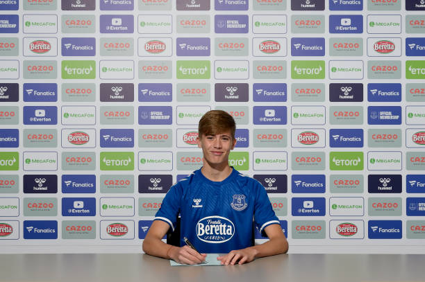 GBR: Isaac Price Signs First Professional Contract With Everton FC