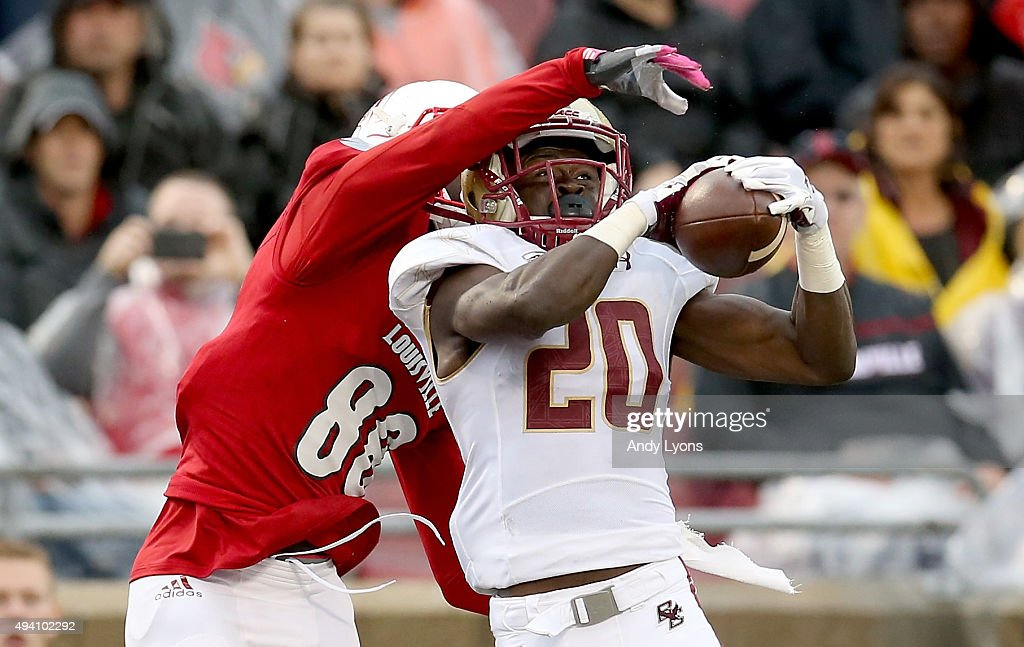 Issac Yiadom #20 of the Boston College Eaglesintercepts a pass intended for Javonte Bagley #88 of the Louisville Cardinals in the endzone at Papa John's Cardinal Stadium on October 24, 2015 in Louisville, Kentucky.
