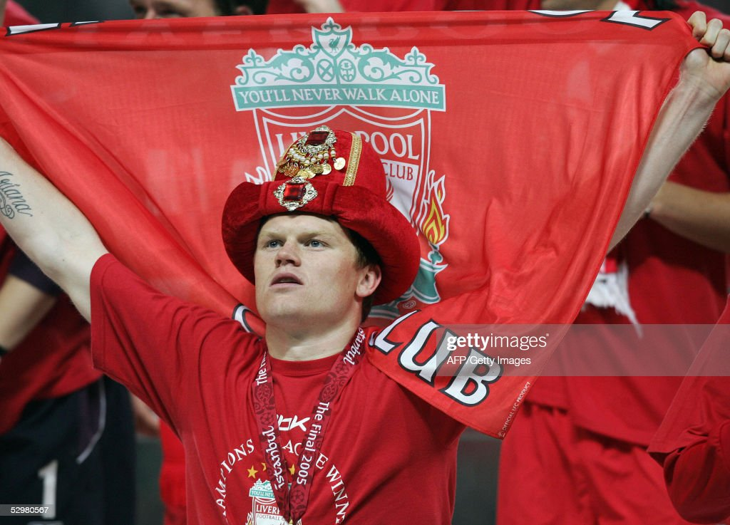 Liverpool's Norwegian defender John Arne : News Photo
