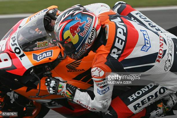 US Moto GP rider Nicky Hayden of Repsol Honda takes a curve during the MotoGP Grand Prix of Turkey at Istanbul Park Circuit near Istanbul 30 April...
