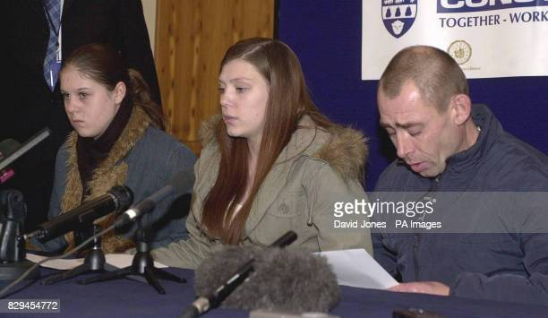 ister Kelly Williams aged 17 Katie Neal aged 19 halfsister and Mark Williams father of murdered 14 yr old Amy Williams during this morning's press...