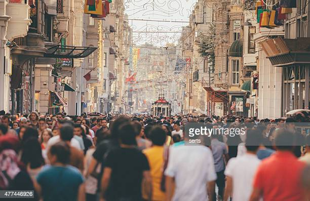 istiklal avenue istanbul crowd - istanbul stock pictures, royalty-free photos & images